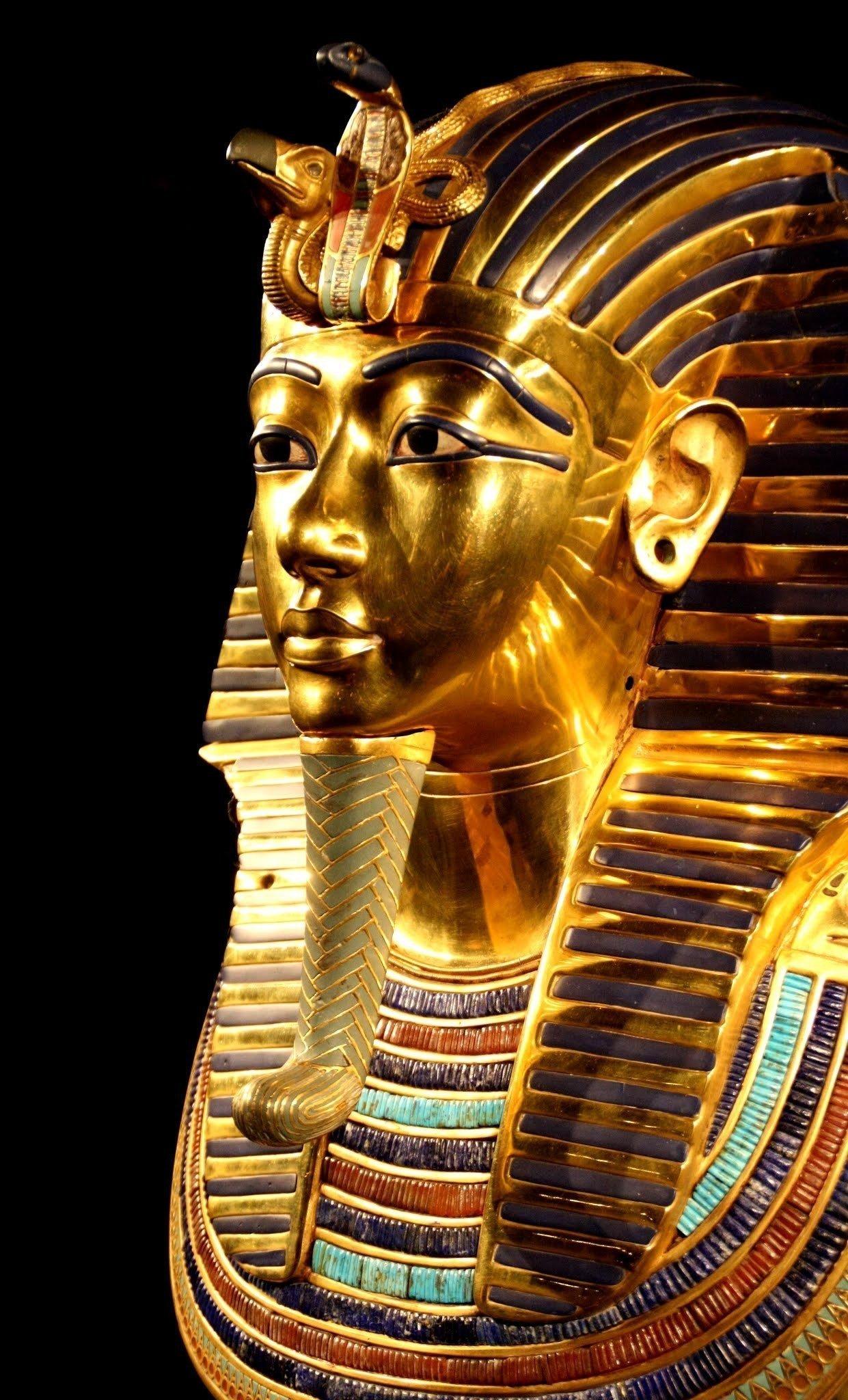 ancient-death-mask-egypt-33571